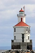220px-Wisconsin_Point_Light_house
